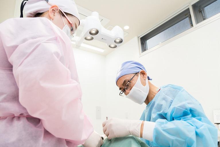 一次手術(インプラント埋入)