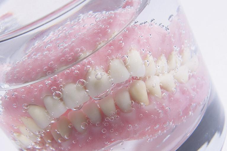 入れ歯のメンテナンス
