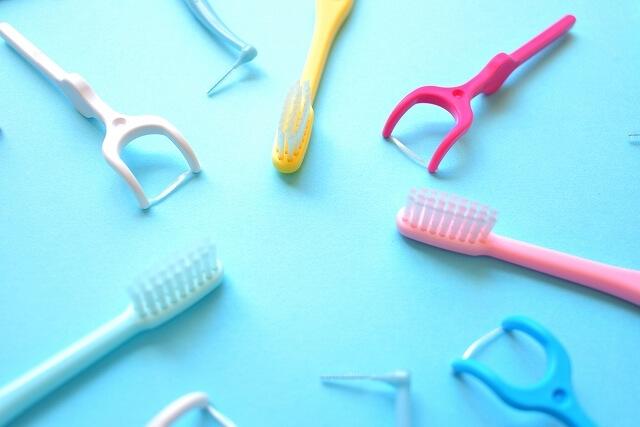 歯間ブラシ、フロスの使用